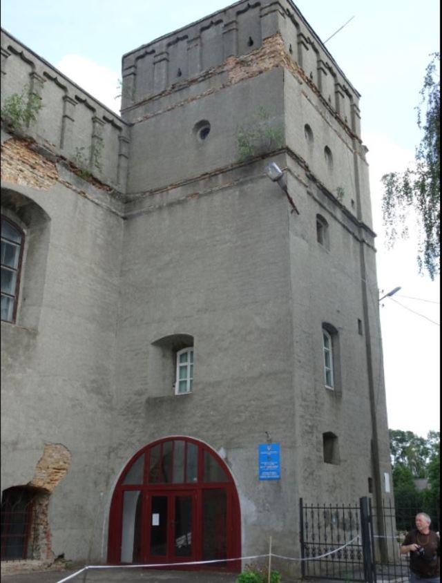 Lutsk synagogue.JPG